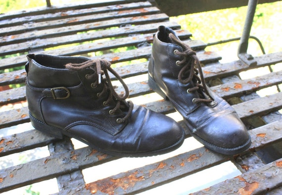 Vintage Boots Lace Up Vegan Ankle Faux Leather Dark Brown with Side Buckle Womens 9
