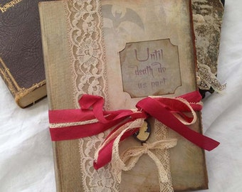 Gothic wedding guestbook - Haunted house themed
