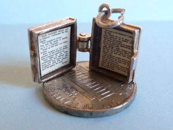 NUVO  Vintage Sterling silver charm  Holy Bible Opens to Prayer