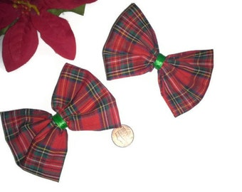2 Red and Green Plaid Hairbows, Christmas bows, Red and Green holiday Hair bow, Plaid Bow, Plaid Fabric, Fabric hairbows, Stocking Stuffers