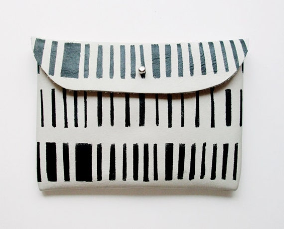 CLUTCH // ivory leather with black stripes