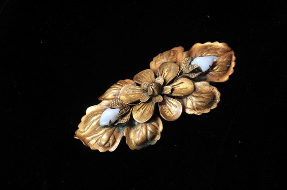 Antique French ART DECO 1920s Flapper brass pin brooch milk glass flowers Wedding Colonial Victorian Paris