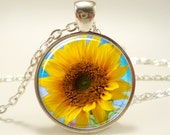 Sunflower Necklace, Botanical Jewelry, Flower Pendant (1076S1IN)