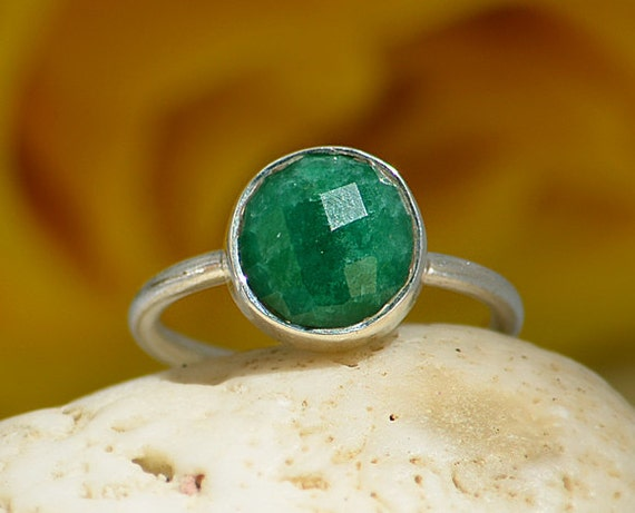 Faceted Natural Emerald sterling silver round stacking bezel set ring - May Birthstone Ring