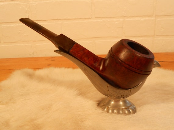 O - This is a vintage Lubman, De Luxe tobacco pipe.