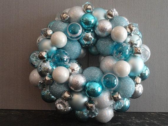 Pixels & Glue Ornament Wreath - Snowflake