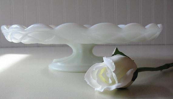 Milk Glass Cake Plate, Wedding Tablesetting, Cake Stand, Pedestal Stand, Centerpiece
