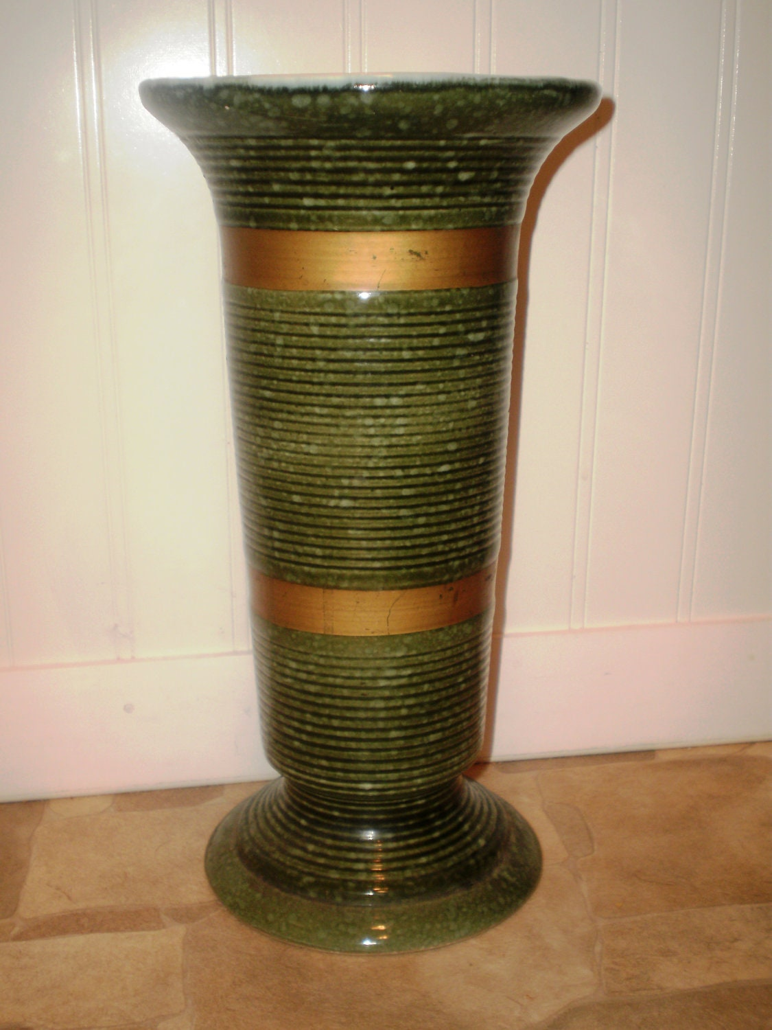 Hull Pottery 102 Deco Vase Green Ribbed And By Vintagefascinations