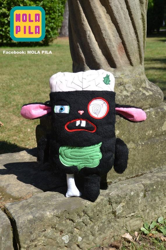 Z O M B I E L U C H E   (silly black bunny by Mola Pila)