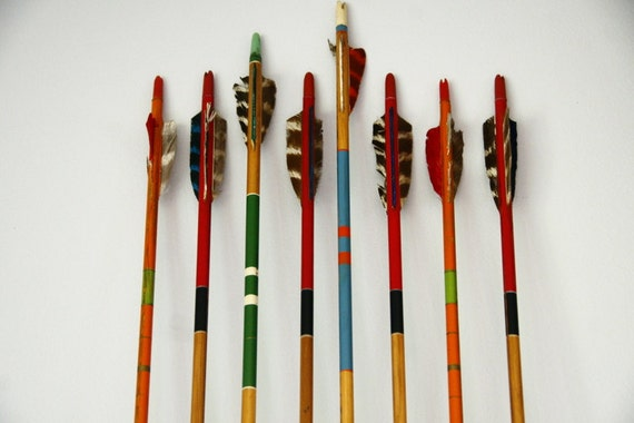 Vintage arrows lot of 8 wooden painted stripes with turkey feathers