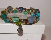 Colors of the Sea Memory Wire Glass Bead Bracelet w/Silver Fish Charm