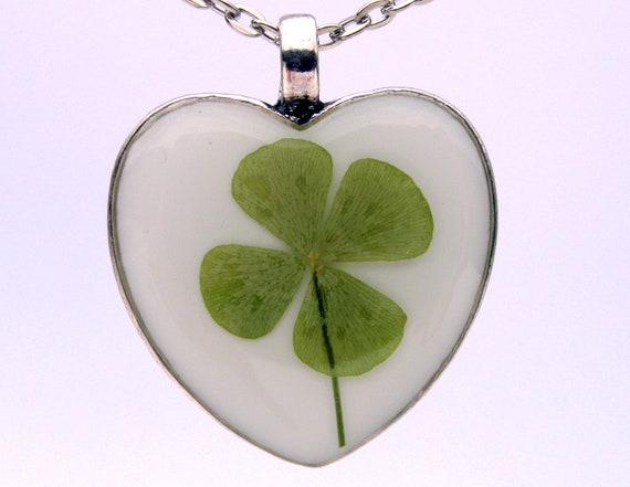 Real 4 leaf clover resin pendant necklace -  Clover encased in resin and preserved forever