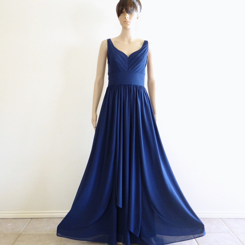 1970s Formal Dress Navy blue prom dress.
