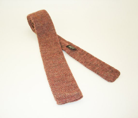 1980s Knit Wool Tie Mens Vintage Skinny Narrow Square Bottom Woven Knit 100% Virgin Wool Necktie by Private Club