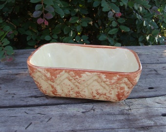 Vintage Brush USA Tan and Ecru Yellowish Planter
