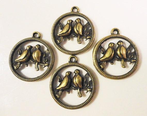 Bronze Bird Charms 23x20 Antique Brass Metal (Bronze) Circular Love Bird Pendant Charm Lead Free Jewelry Making Jewellery Findings 10pcs