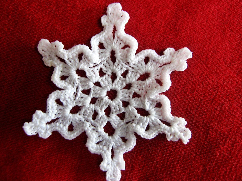 Handmad crochet home decor crochet doilies and tablecloths for Crochet decorations for home