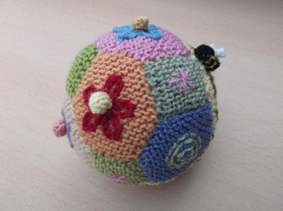 Knitted ball