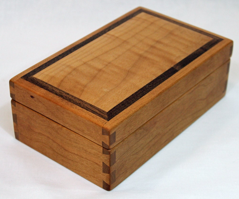 Fine wooden sewing box or jewelry box for Jewelry box made of wood