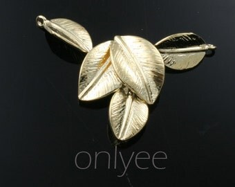 2pcs-30mmX25mm 14K Gold plated over Brass Five Leaves Connector pendants(K280G)