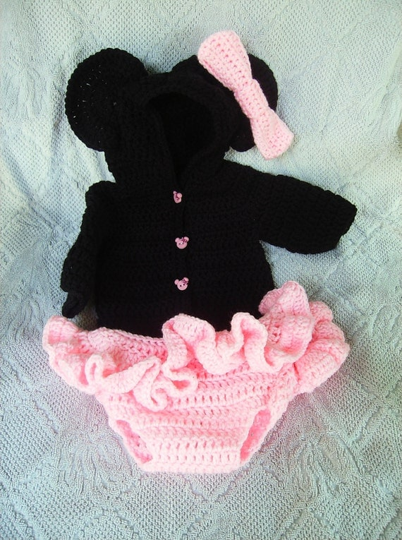 Free Crochet Pattern For Mickey Mouse Diaper Cover Set Traitoro For