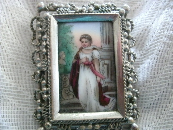 VICTORIAN GIRL BROOCH Vintage Reproduction The Museum Company Box Colorful Gift