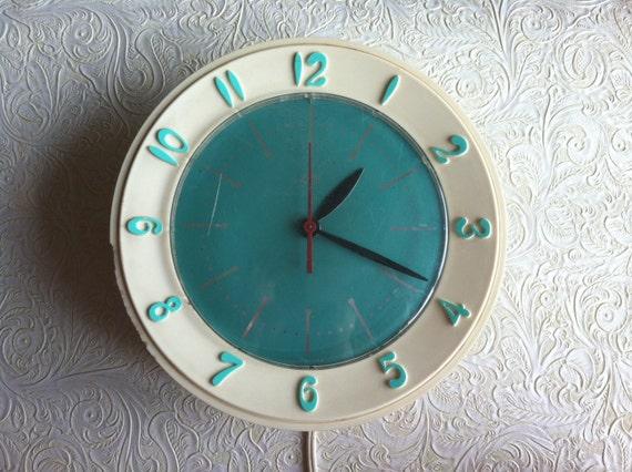 1960's Retro Kitchen Lux Clock in Turquoise