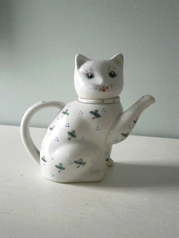Vintage 1950s Porcelain Cat Teapot