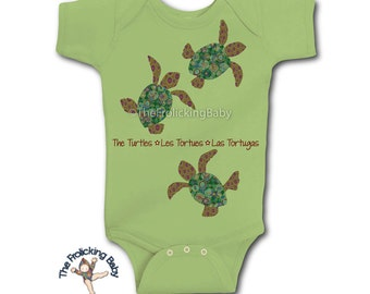 Playful Turtles Onesie Bodysuit for Baby Features the Animal Name in English, French & Spanish
