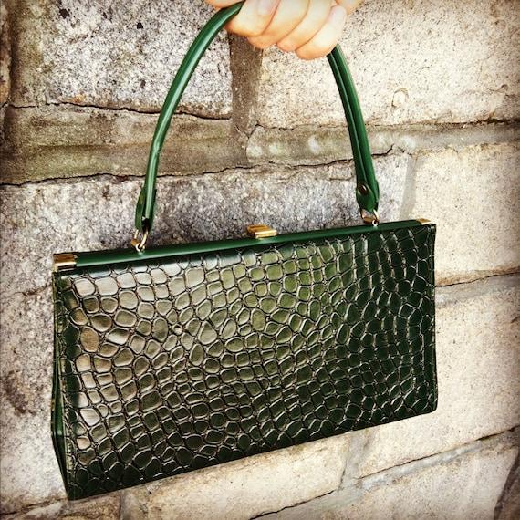 Green Alligator Vintage Clutch Purse in Great Condition