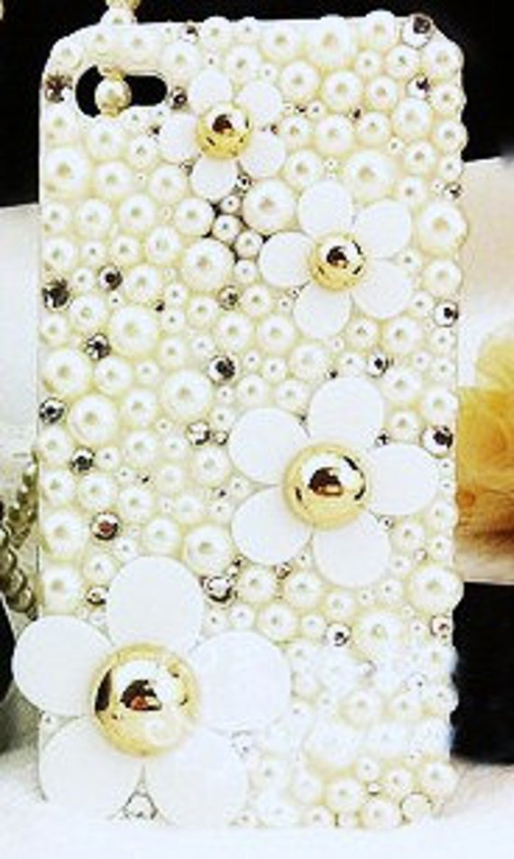 iPhone 4 and iPhone 4S Marc Jacobs Inspired Daisy Flowers Pearl bling 3D case