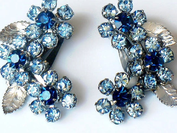 WEISS Earrings Blue Austrian Rhinestone Flower Vintage 1950s Rare Signed High End Collectable Jewelry Silver Blue