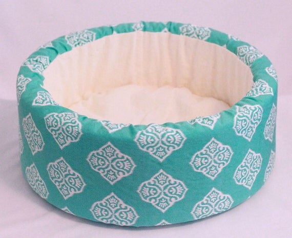 "14"" Cat Bed, Self Warming Round Bed in Aqua Ikat Print"