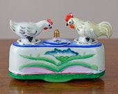 SALE 1950s Nodder Salt and Pepper / Chicken Salt Pepper Shakers / Condiment Set