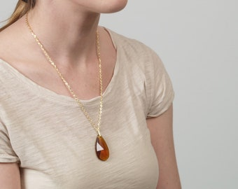 Gold Glass Crystal Chandelier Pendant Necklace w/ Yellow Gold Color Metallic Chain Faceted Geometric Prism Classic Teardrop Oval