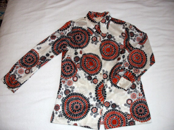 Blouse 70s poly Flower psychedelic Bold Top Ships free in USA