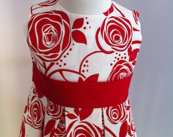 Beautiful Rose Print Part Dress in Size 4 Years