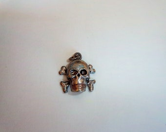 Sterling Silver Plated Vintage Inspired Skull And Bones Charm/Pendant