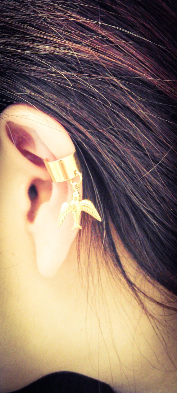Gold Delicate and Sweet Dove Ear Cuff