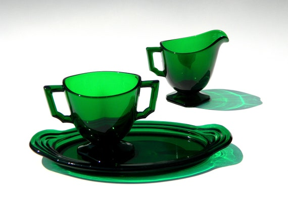 Emerald glass cream and sugar set with small tray simplified Federal style Mayfair pattern (?) green glass table decor serving c 1940