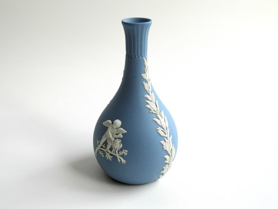 Vintage Wedgwood Jasperware Teardrop Bud Vase Blue And White