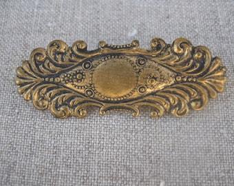 Small Victorian Bar Lace Pin