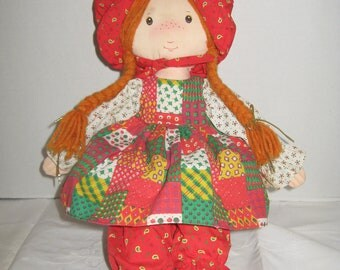 Holly Hobbie Christmas 1988 Amtoy Crisp and Clean