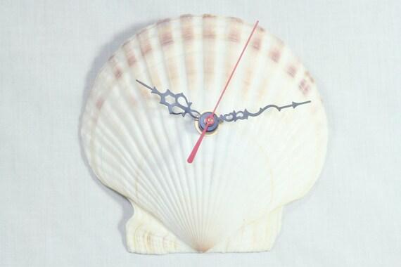 Unique vintage upcycled seashell wall clock home decor beach for Seashell wall clock