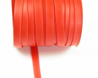 Rubber cord 8mm flat, luminous red, 5 feet