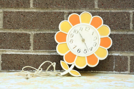 RESERVED FOR NICOLE Vintage Disco Mod Bright Orange Yellow White Flower Plug In Wall Clock Hanging