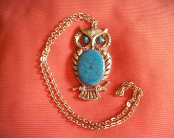 What a Hoot - Vintage Silvertone necklace with Large Owl Pendant - Faux Turquoise