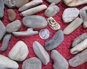 """50 Small Driftwood Pieces, Bulk Drift Wood, 1"""" to 4"""" Craft Supplies, Wooden Beads, Beach Wedding Decor"""