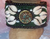 Vintage Cuff Shell Bracelet With Focal Bead - Hippie, Surfer, Shell, Beach Jewelry