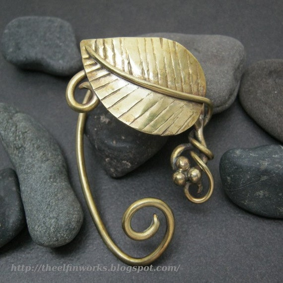 One brass leaf elf ear ornament, gold colored, ear wrap style ear cuff, leaves and vines and tendrils, upper ear jewellery